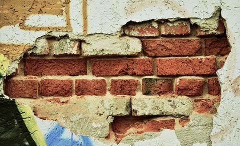 gat in muur maken